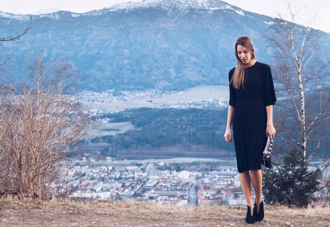 Jahresrückblick 2016, schwarzes rückenfreies Kleid, Sponsion,