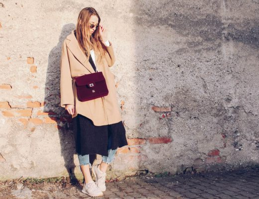 Camel Coat, Spring Vibe, Camel Coat Zara, Buffalo Tasche, Sneakers, Glorify Specs