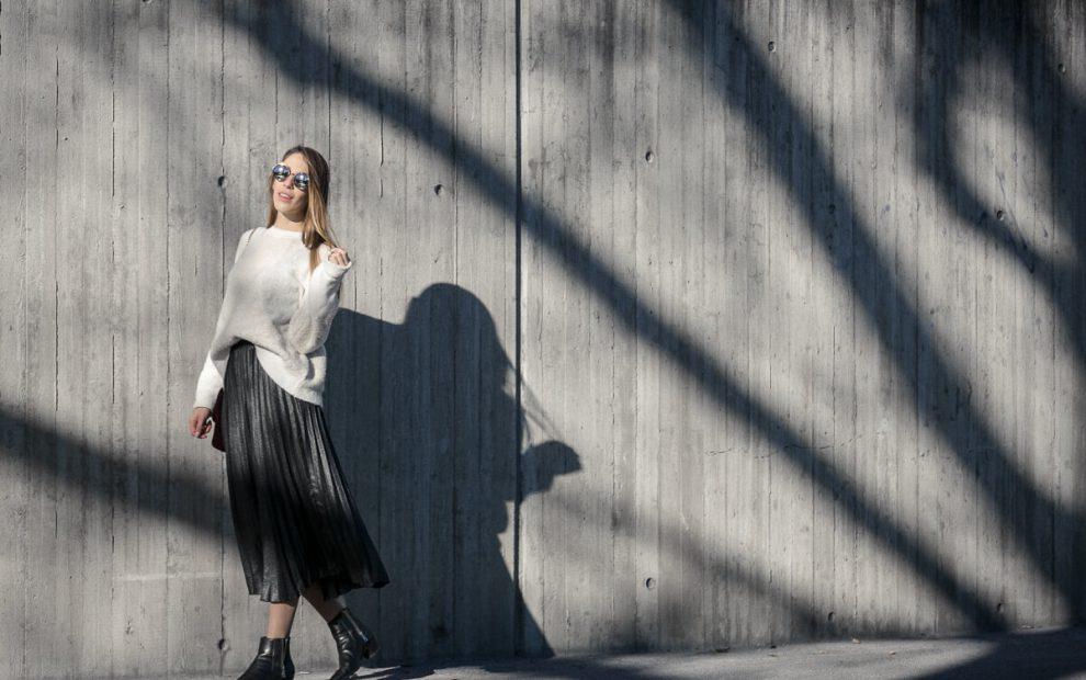 Metallic Plissee Rock Outfit, Gedankenchaos und Zeit für mich, Kuschelpullover von Mango;