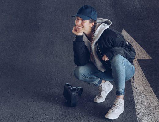 Reebok x Face Stockholm Sneakers, Baseball Muetze kombinieren, Hoodie und Bomberjacke