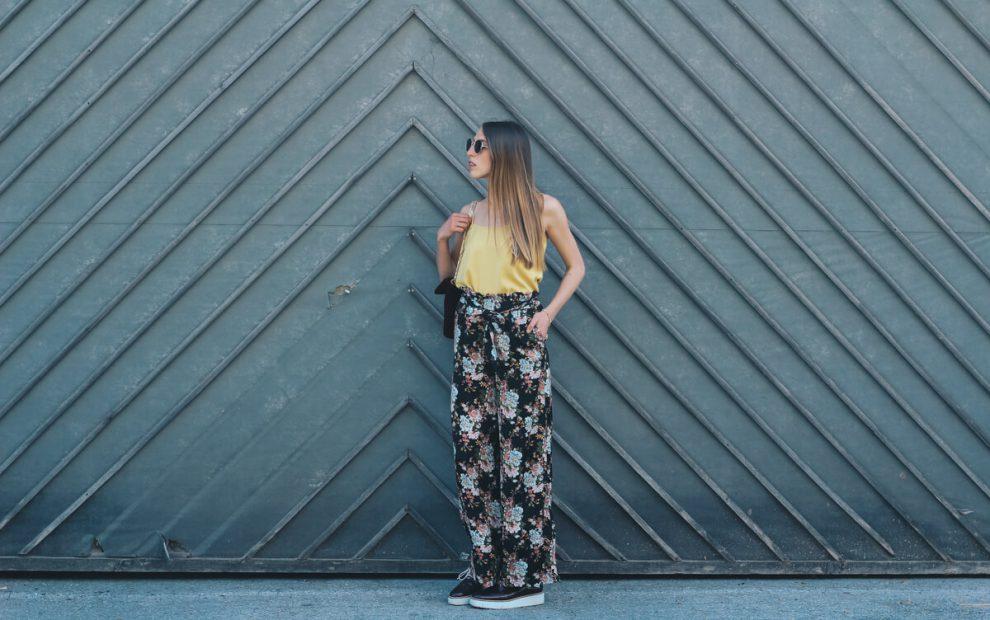 (Geburtstags)Outfit: Palazzohose von Mango und gelbes Seidentop