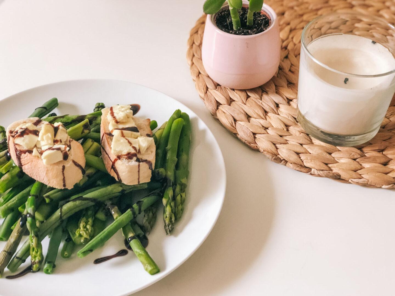 Essen & Trinken: Sommersalat mit grünem Spargel und Bohnen