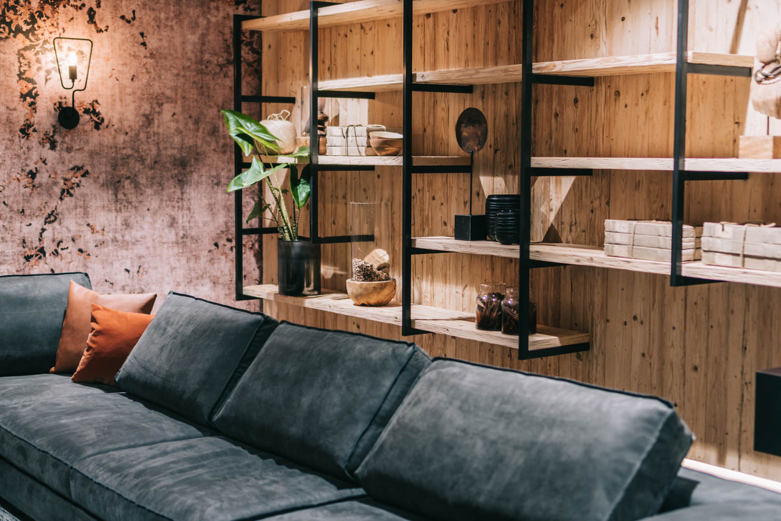 Einrichtungshaus Aufschnaiter: New Country Urban; Interior Design