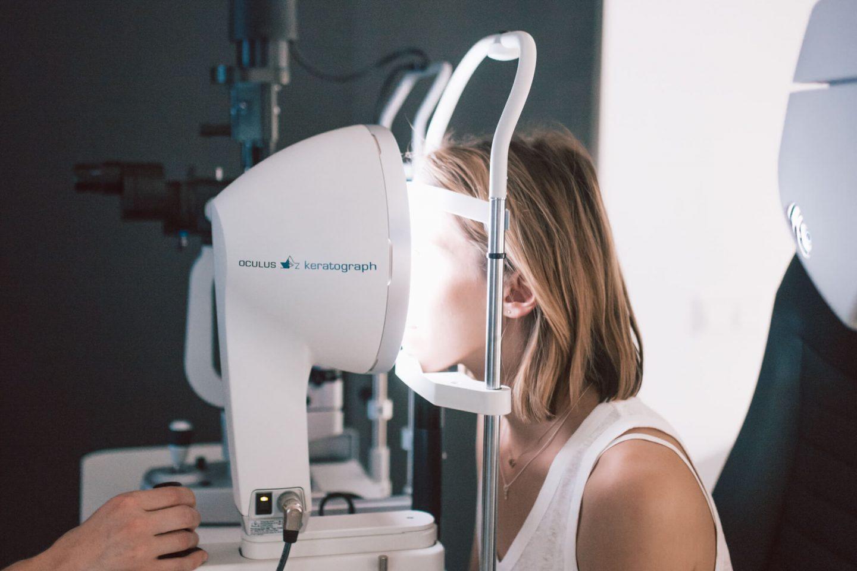 Weinseisen Optik in Landeck: Kontaktlinsenanpassung und Ausmessen der Stärke